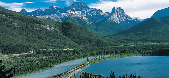 how to get to the canadian rockies from vancouver